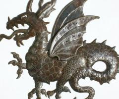 Dragon de metal